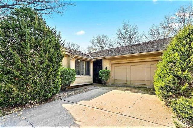 12703 Cambridge Lane, Leawood, KS 66209 (#2248636) :: Ask Cathy Marketing Group, LLC