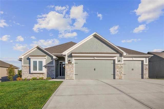 8126 NW 90th Terrace, Kansas City, MO 64153 (#2248637) :: Dani Beyer Real Estate