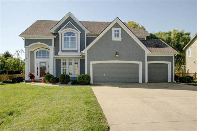 217 NE Hidden Valley Lane, Lee's Summit, MO 64064 (#2248653) :: Ask Cathy Marketing Group, LLC