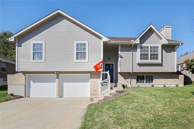 902 SW Foxtail Drive, Grain Valley, MO 64029 (#2248673) :: Ron Henderson & Associates