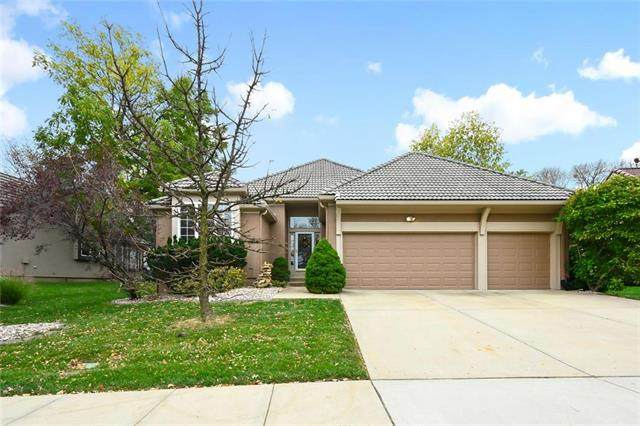 5445 W 152nd Terrace, Leawood, KS 66224 (#2248683) :: Five-Star Homes