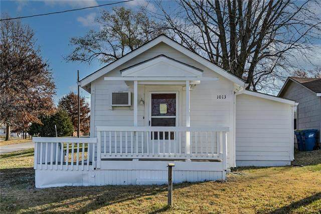 1013 Marion Street, Excelsior Springs, MO 64024 (#2248704) :: House of Couse Group