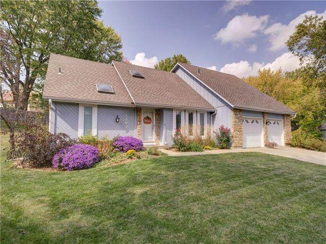 12626 W 77TH Terrace, Lenexa, KS 66216 (#2248720) :: House of Couse Group