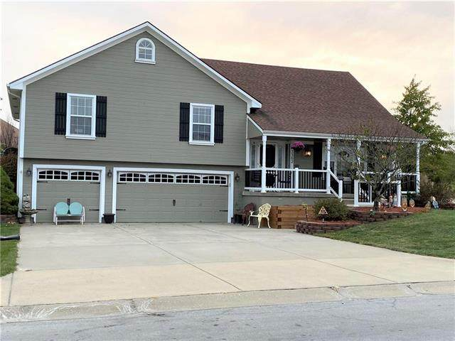3302 Steel Wheel Drive, Harrisonville, MO 64701 (#2248725) :: House of Couse Group