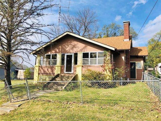 829 W 13th Street, Trenton, MO 64683 (#2248769) :: House of Couse Group