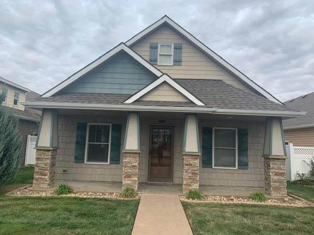 4817 N Creekwood Drive, St Joseph, MO 64507 (#2248784) :: Eric Craig Real Estate Team
