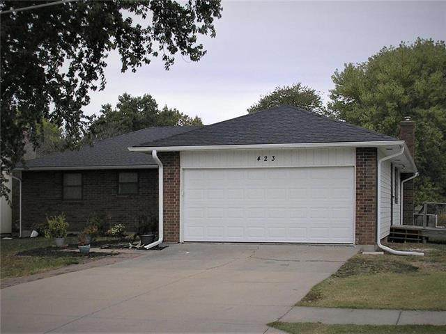 423 W 17th Street, Ottawa, KS 66067 (#2248785) :: Five-Star Homes