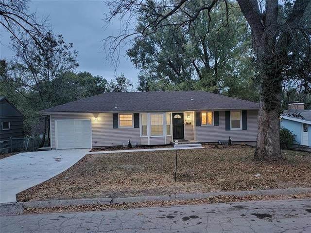 6302 E 96th Street, Kansas City, MO 64134 (#2248797) :: Austin Home Team