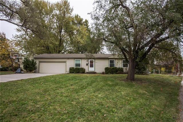 9313 W 101st Street, Overland Park, KS 66212 (#2248849) :: Ron Henderson & Associates