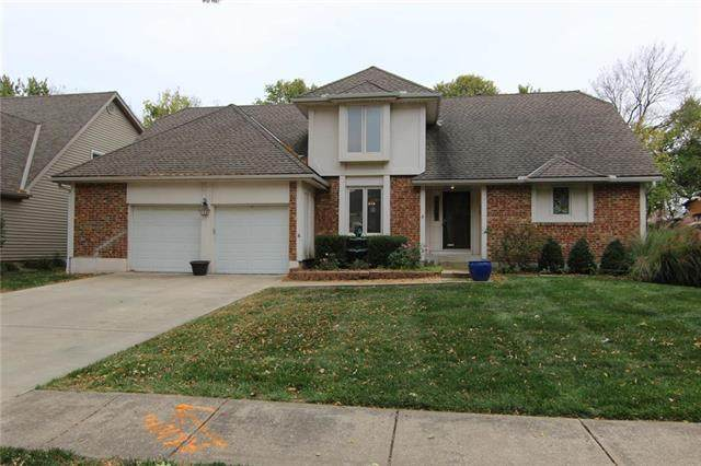 1129 E Sleepy Hollow Drive, Olathe, KS 66062 (#2248868) :: Team Real Estate