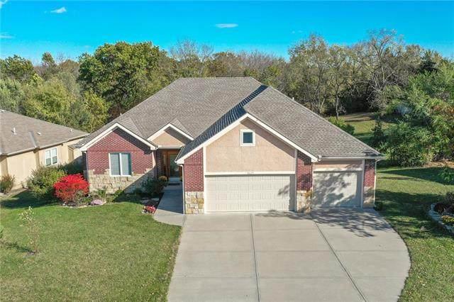 8629 N Utica Avenue, Kansas City, MO 64153 (#2248884) :: House of Couse Group