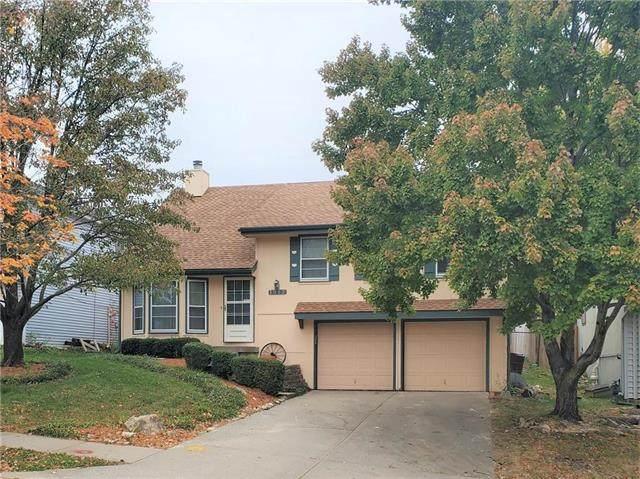 1912 NW 62nd Terrace, Kansas City, MO 64151 (#2248890) :: Dani Beyer Real Estate