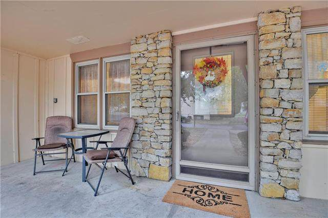 18819 Sunrise Drive, Belton, MO 64012 (#2248913) :: House of Couse Group