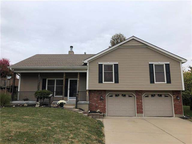 19404 E 13th Street North Street, Independence, MO 64056 (#2248926) :: Dani Beyer Real Estate