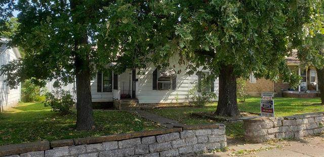 215 N Caldwell Street, Fort Scott, KS 66701 (#2248934) :: Dani Beyer Real Estate