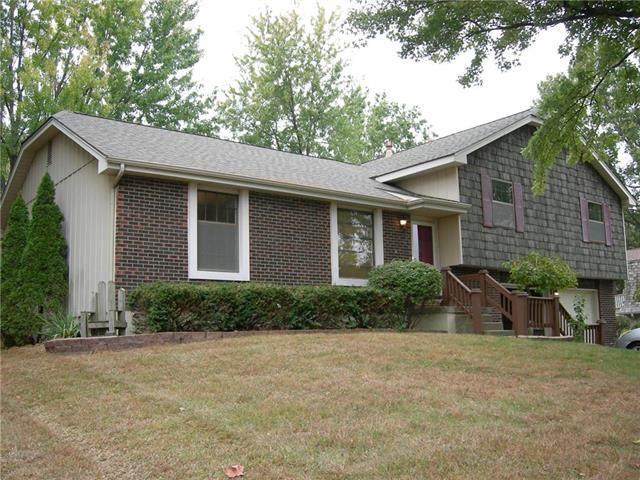 4139 N 109th Terrace, Kansas City, KS 66109 (#2248952) :: Dani Beyer Real Estate