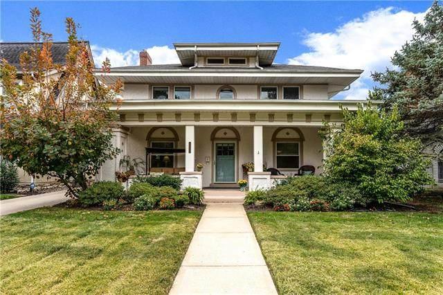 1025 W 71st Terrace, Kansas City, MO 64114 (#2248987) :: Austin Home Team