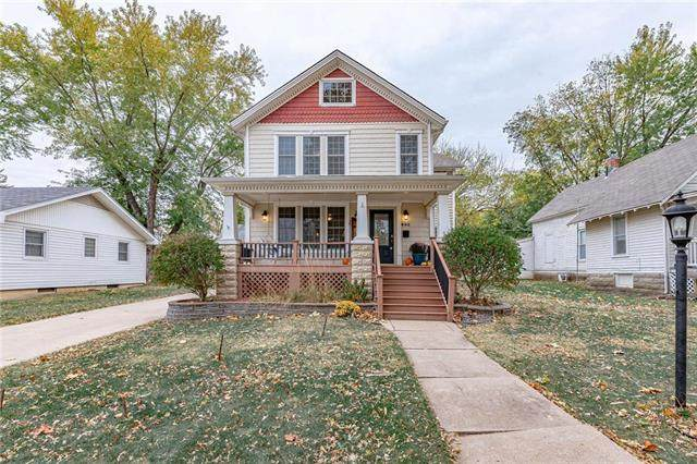 802 E Wea Street, Paola, KS 66071 (#2248993) :: The Kedish Group at Keller Williams Realty