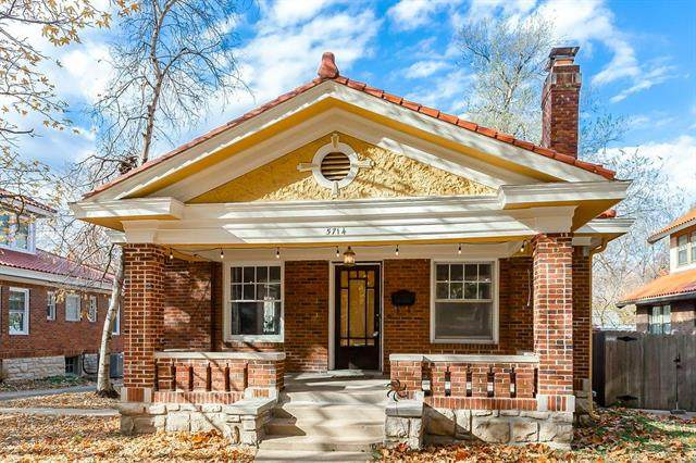 5714 Rockhill Road, Kansas City, MO 64110 (#2249031) :: Edie Waters Network