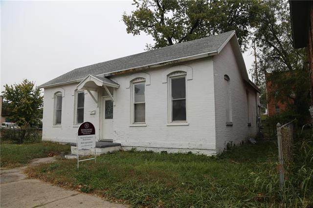 1814 St Joseph Avenue, St Joseph, MO 64505 (#2249086) :: Beginnings KC Team