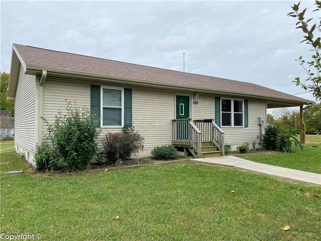 314 E Walnut Street, Sedalia, MO 65301 (#2249123) :: Dani Beyer Real Estate