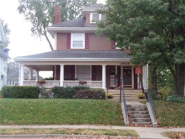 1909 Franklin Avenue, Lexington, MO 64067 (#2249140) :: Edie Waters Network