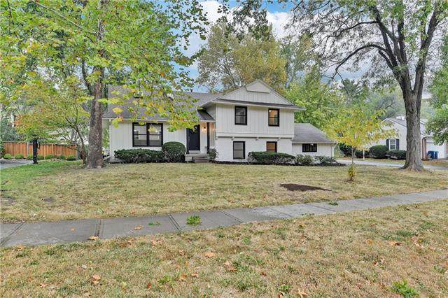 4412 W 83rd Street, Prairie Village, KS 66208 (#2249220) :: Beginnings KC Team