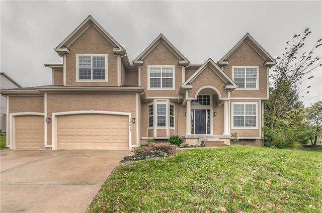 15017 Carter Street, Overland Park, KS 66221 (#2249225) :: House of Couse Group
