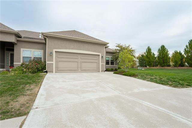 11069 S Parish Street, Olathe, KS 66061 (#2249230) :: The Shannon Lyon Group - ReeceNichols