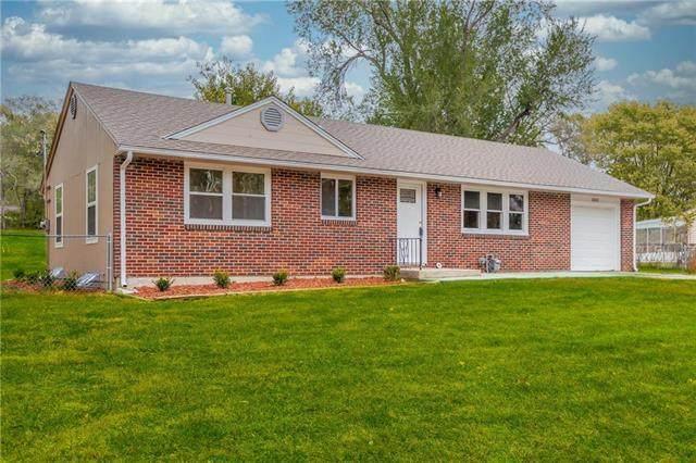 8000 Greeley Avenue, Kansas City, KS 66109 (#2249247) :: Team Real Estate