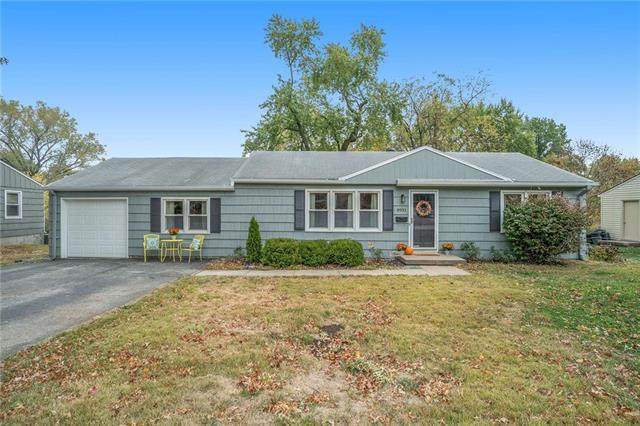 8931 Hardy Street, Overland Park, KS 66212 (#2249274) :: Team Real Estate
