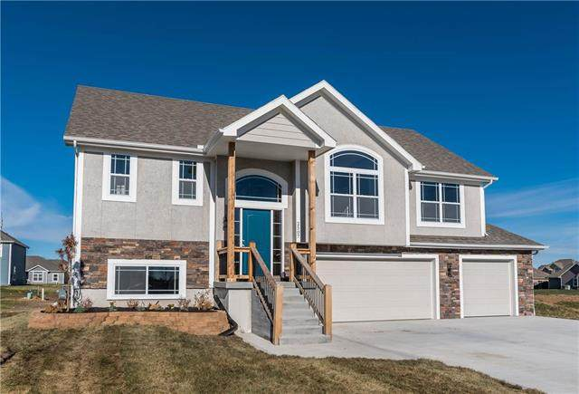 1927 N 162nd Terrace, Basehor, KS 66007 (#2249302) :: Team Real Estate