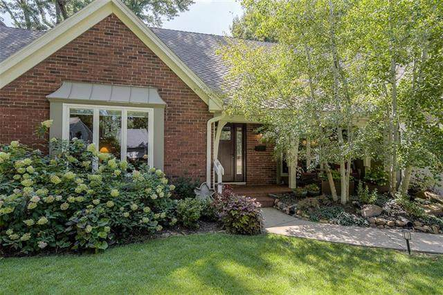 6101 W 90th Terrace, Overland Park, KS 66207 (#2249314) :: Team Real Estate