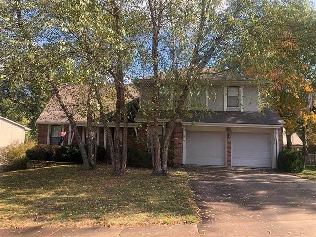 10805 Cody Street, Overland Park, KS 66210 (#2249366) :: The Shannon Lyon Group - ReeceNichols