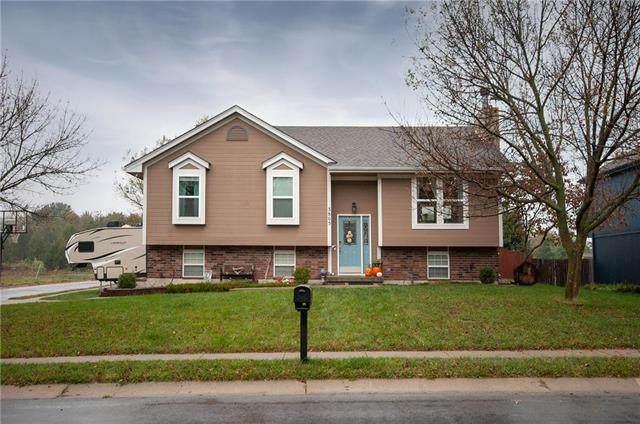 3805 SE Adams Drive, Blue Springs, MO 64014 (#2249432) :: Ron Henderson & Associates