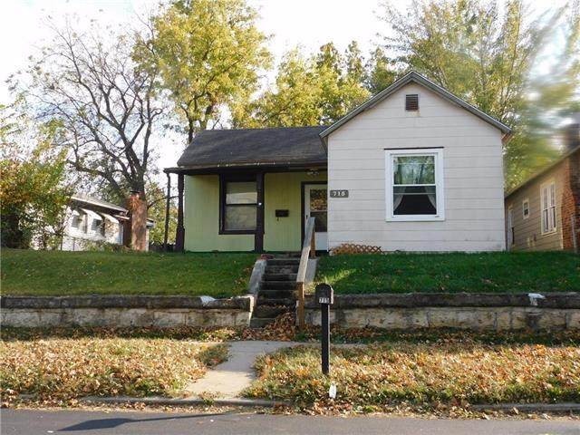 715 Cheyenne Street, Leavenworth, KS 66048 (#2249446) :: House of Couse Group