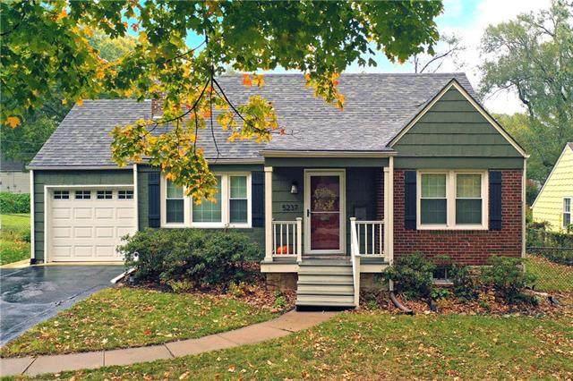 5237 Linden Street, Roeland Park, KS 66205 (#2249455) :: Team Real Estate