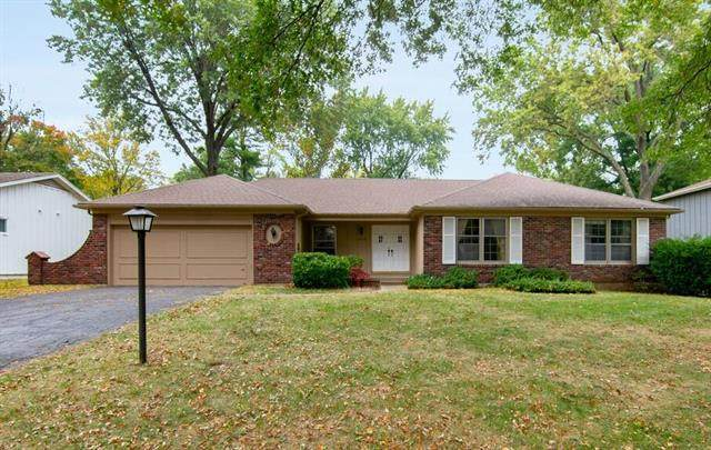 7214 W 100th Place, Overland Park, KS 66212 (#2249457) :: Team Real Estate