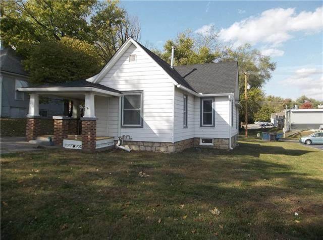410 Linn Street, Leavenworth, KS 66048 (#2249500) :: House of Couse Group