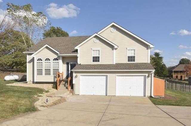 14655 NW Skyview Avenue, Smithville, MO 64089 (#2249520) :: Ron Henderson & Associates