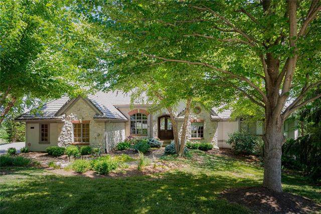 10413 S Highland Circle, Olathe, KS 66061 (#2249567) :: The Kedish Group at Keller Williams Realty