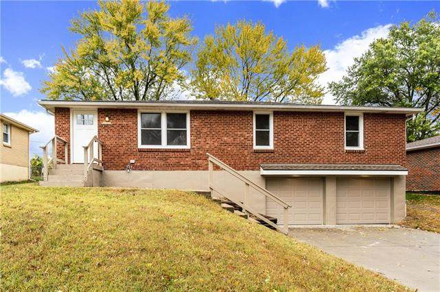 520 NW 88th Terrace, Kansas City, MO 64155 (#2249637) :: House of Couse Group
