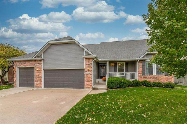 4305 SW Flintrock Drive, Lee's Summit, MO 64082 (#2249648) :: House of Couse Group
