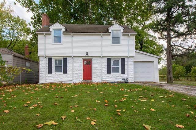 2201 E 72ND Street, Kansas City, MO 64132 (#2249656) :: Dani Beyer Real Estate