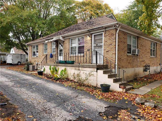 1530 S Ash Avenue, Independence, MO 64052 (#2249662) :: Edie Waters Network