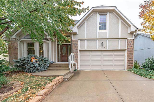 11313 Cody Street, Overland Park, KS 66210 (#2249669) :: The Shannon Lyon Group - ReeceNichols