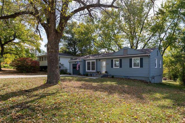 6803 NW 72nd Terrace, Kansas City, MO 64152 (#2249676) :: Edie Waters Network