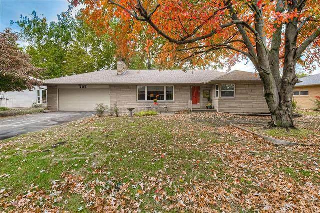 707 Ridgeway Drive, Liberty, MO 64068 (#2249697) :: Ron Henderson & Associates