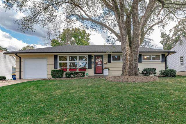 6019 W 54th Terrace, Mission, KS 66202 (#2249714) :: House of Couse Group