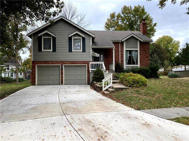 1603 NE Duchess Drive, Lee's Summit, MO 64086 (#2249716) :: House of Couse Group